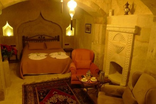Deluxe Cave Double Room
